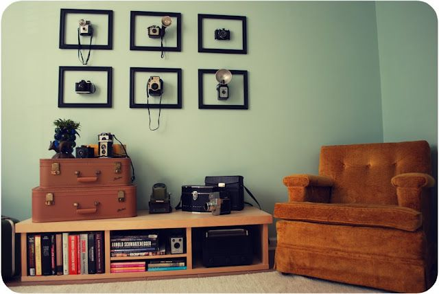 """Vintage cameras well displayed: From Meghan's """"Pocket Full of Pretty"""" blog"""