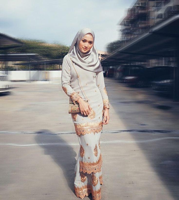 "4,036 Likes, 19 Comments - Suzana Manaf (@suzanamnf) on Instagram: ""Kurung saree by @shawlpublika """