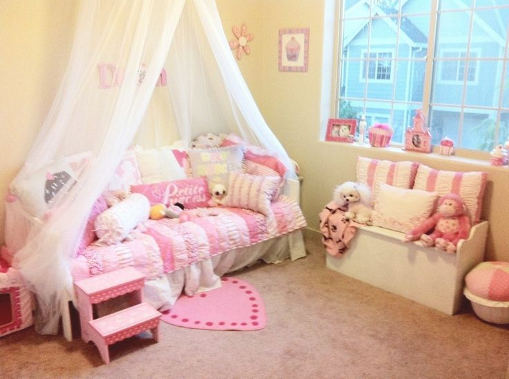 Princess Theme Bedroom | Bellau0027s Princess Cupcake Themed Bedroom