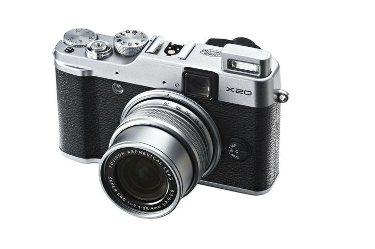 Amazon.co.jp: FUJIFILM デジタルカメラ X20S 光学4倍 シルバー F FX-X20S: カメラ・ビデオ