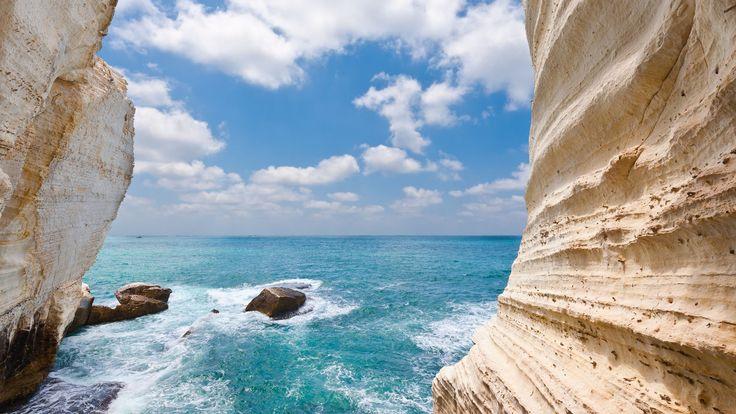 Há oportunidades para ter umas férias de qualidade à porta do Mediterrâneo: hotéis de luxo debruçados sobre praias de água quente, vilas de pescadores, paisagens verdes e tradições para se conhecerem.
