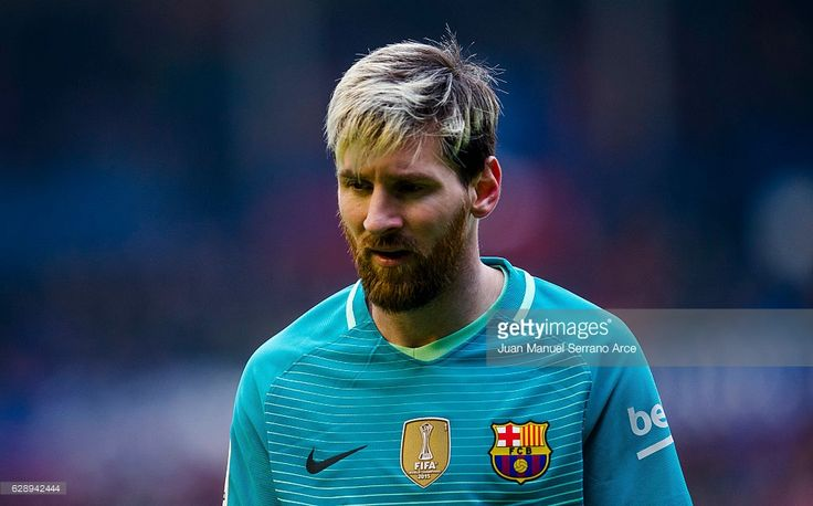 Lionel Messi of FC Barcelona reacts during the La Liga match between CA Osasuna and FC Barcelona at Estadio Reyno de Navarra on December 10, 2016 in Pamplona, Spain.