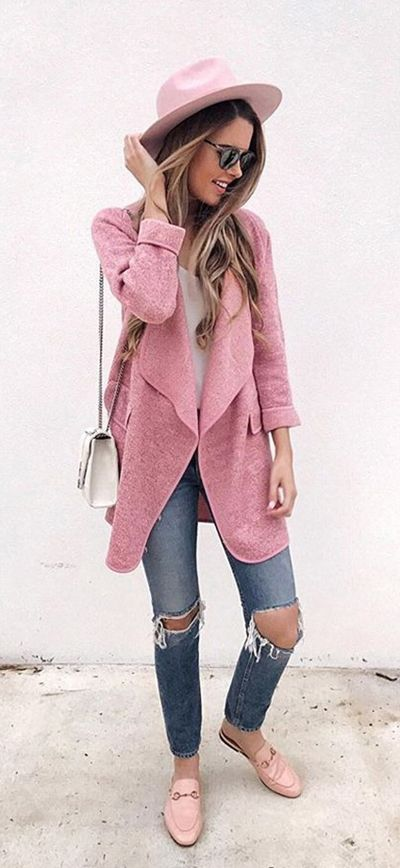 Here's your pretty pink knitted answer to the in-between weather days to come. Just Knitted Open Front Cardigan featured by Jenniferxlauren Blog