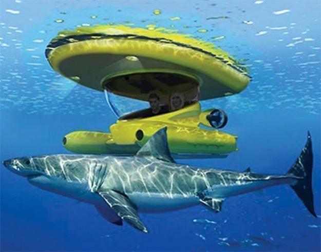 Este é o que se pode chamar de um brinquedo de gente grande (e milionários), um veiculo parcialmente submersível para explorar o mundo submarino! O Amphibious Sub-Surface Watercraft é um incrível barco com dois cockpits, um fica sobre a água e o outro submerso debaixo d'água! O barco se move com dois propulsores subaquáticos a…