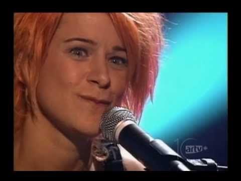 (1) Marie-Jo Thério''Évangéline'' 2001, TV pour Claude Léveillée - YouTube