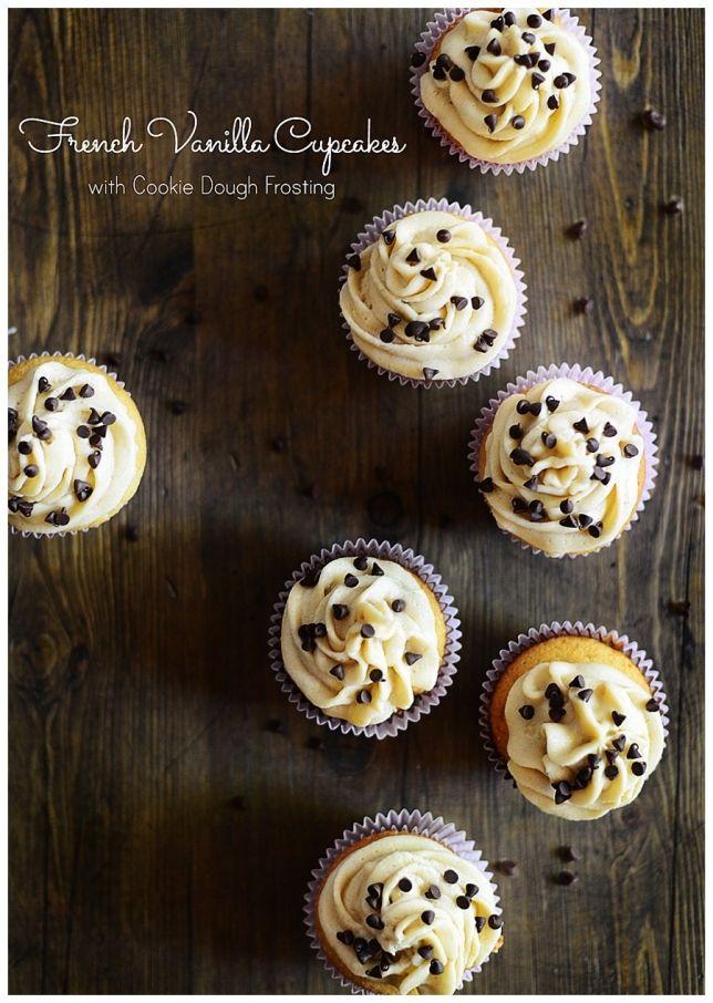 Francés Vanilla Cupcakes con masa de galletas Frosting l por Fit, Diversión y deliciosa!
