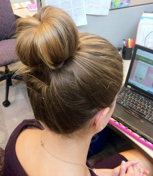 How To: The Sock Bun For Short Hair Today