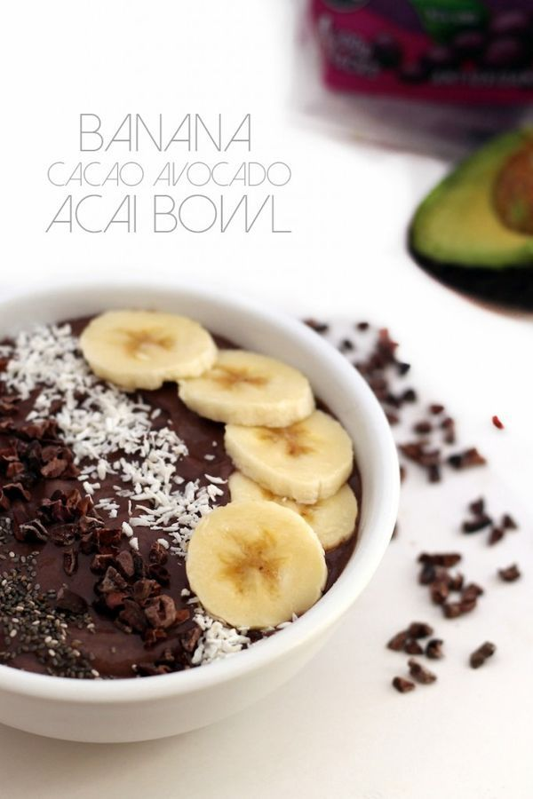 Banana Cacao Avocado Acai Bowl is the perfect breakfast! Creamy, chocolatey, vegan, gluten-free and kid-friendly. Whip it up in less than 5 minutes.