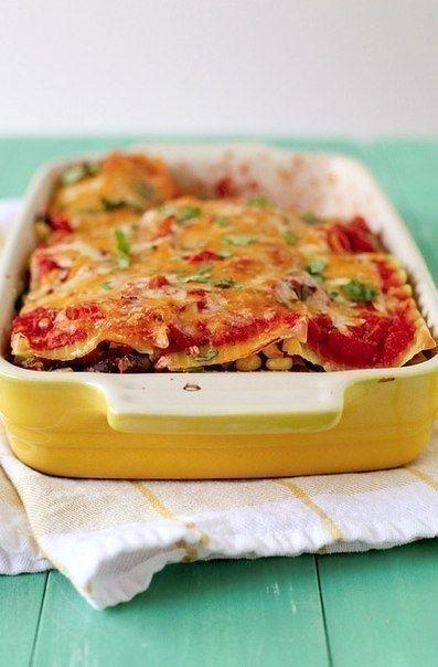 Фото к рецепту: Мексиканская лазанья.