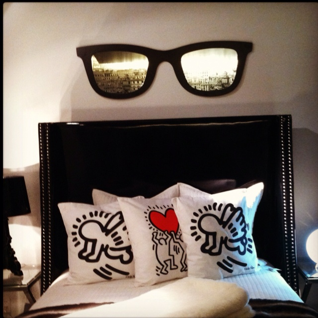 Love these Keith Haring pillows! www.lovenycstyle.com