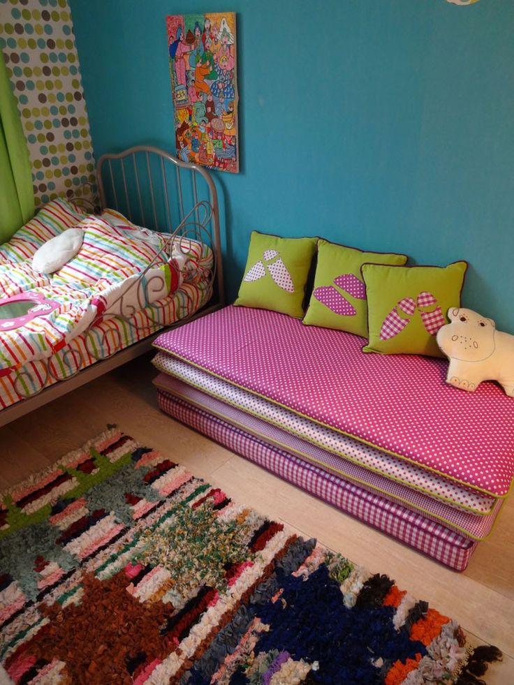 banquette marocaine pour enfant salon marocain rue des. Black Bedroom Furniture Sets. Home Design Ideas