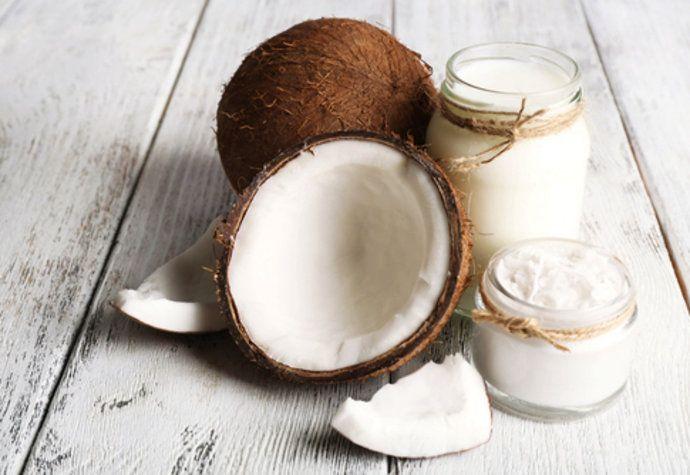 Kouzelný kokosový olej: 5 způsobů, jak ho využít pro krásu