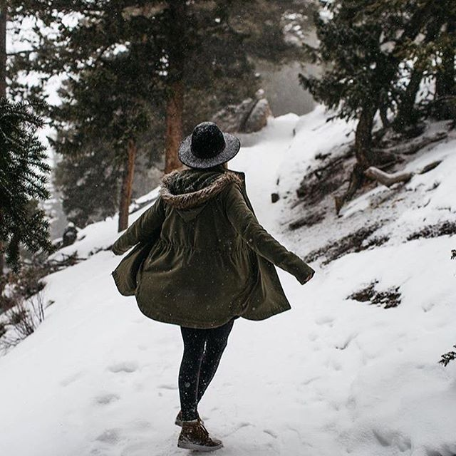 Let It Snow. via @lindseyboluyt #vansgirls