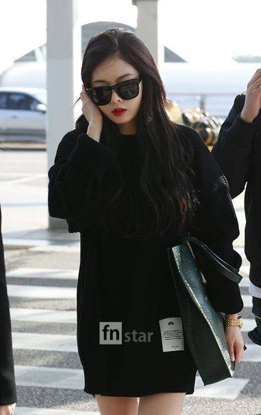 Black Knit Top with Shades Fashion of 4minute Hyuna