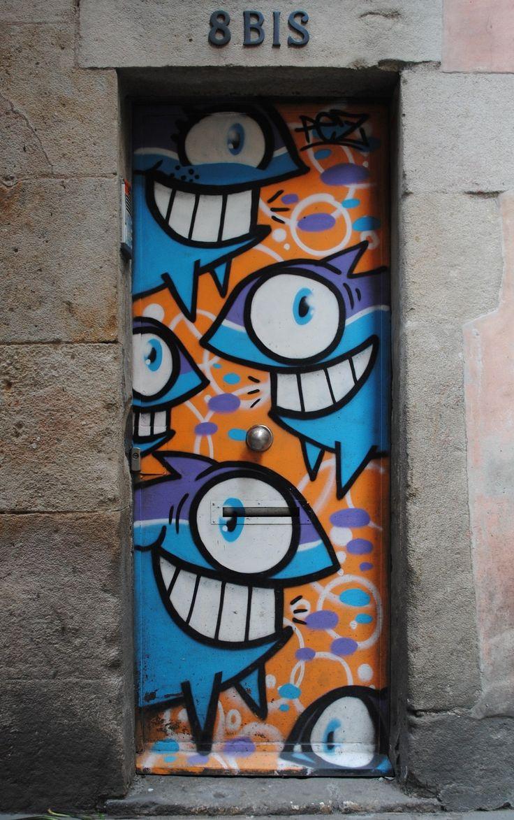 Graffiti wall barcelona - Pez Door El Born Barcelona Graffiti