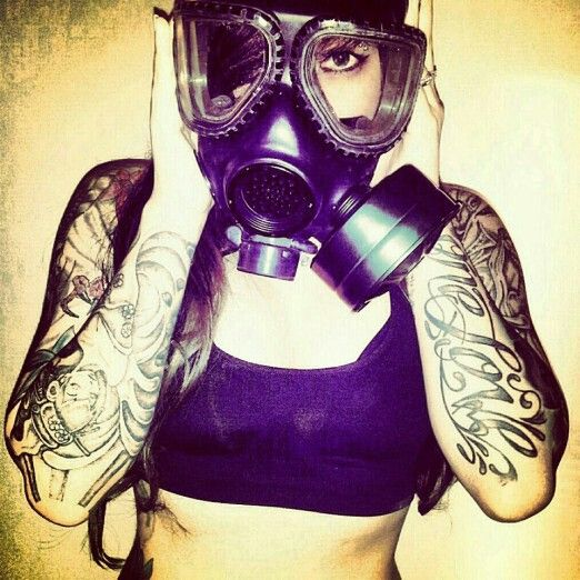 Black And White Pin Up Girl Wallpaper Gas Mask And Tattoos Women With Ink ッ Pinterest