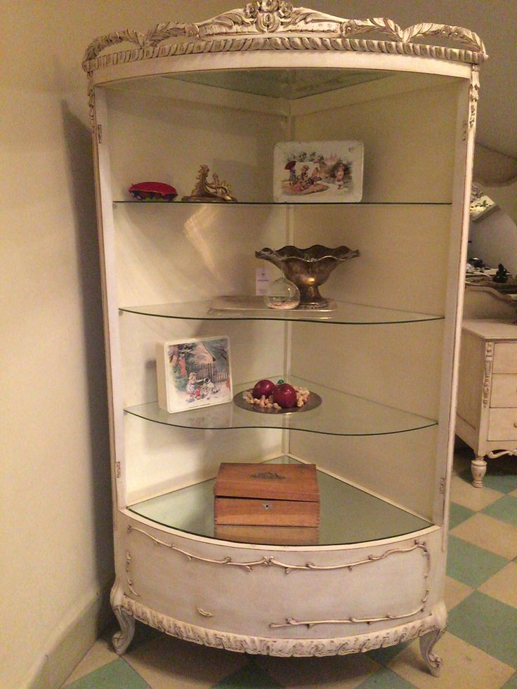 Vitrina increíble vintage restaurada by BERKANA Shop.