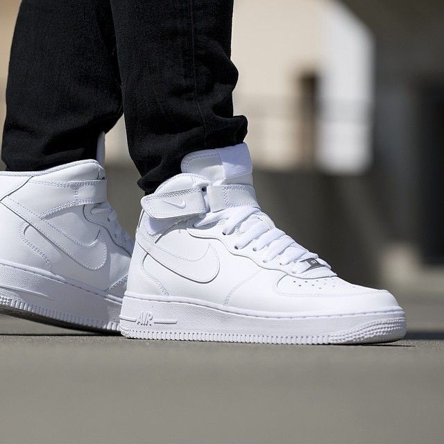 Nike 'ın efsanevi ayakkabısı airforce 1 mid Sınırlı sayıda ...