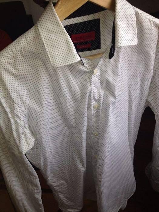 Chemise homme ZARA à imprimés géométriques  Taille S  Neuve mais sans étiquette (trop petite, je ne sais pas pourquoi mon ...