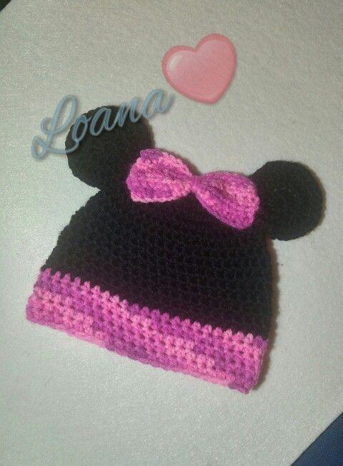 Cappellino baby Minnie in lana. Tecnica uncinetto.