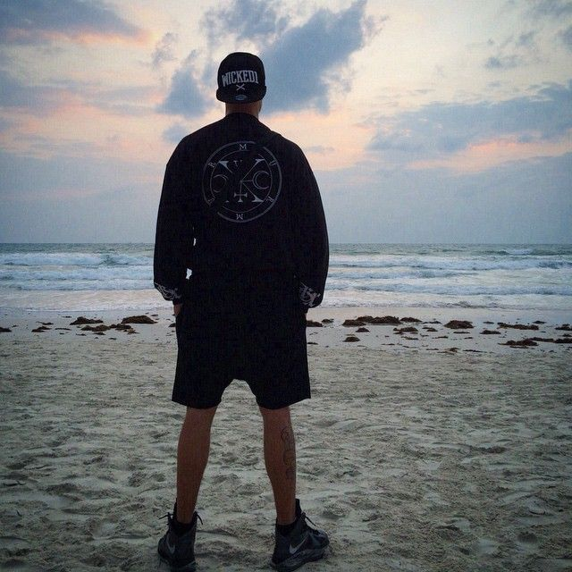 #Blckxlnz on the HaadRin beach in Thailand #666 #goth #nugoth #ghettogothic #healthgoth #metal #lebron Street goth, health goth, ghetto goth stuff