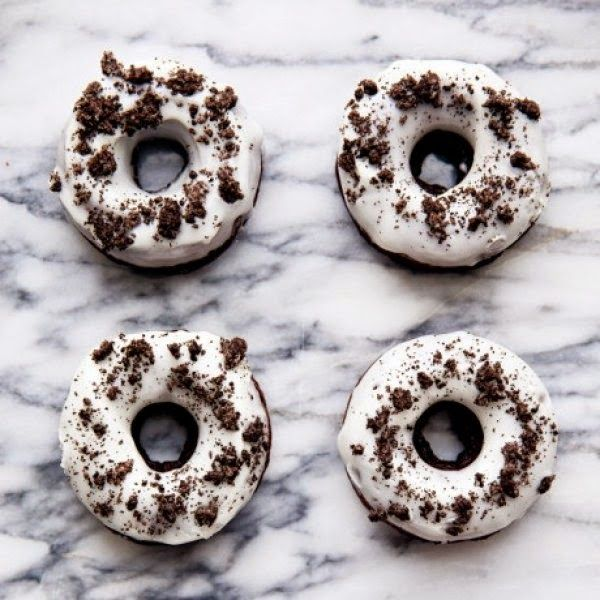 Daddy Cool!: Τα πιο λαχταριστά donuts με μπισκότο oreo στο πιάτο σας