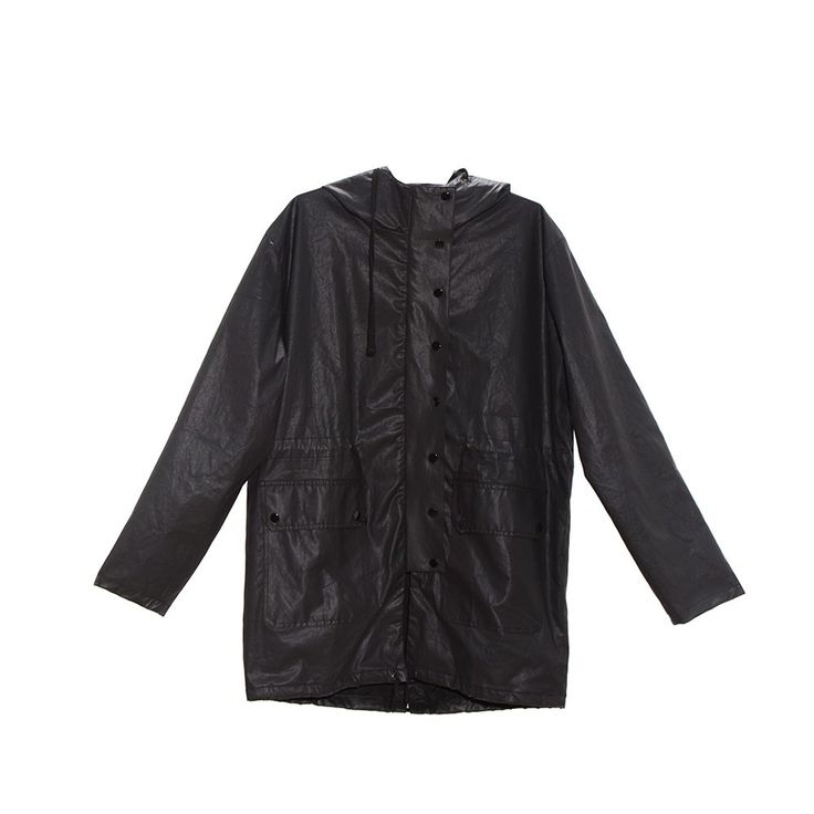 Parka impermeable color negro con broches a tono  Calce: Relax  Color:Negro  -  Hecho en Buenos Aires x REVOLVER