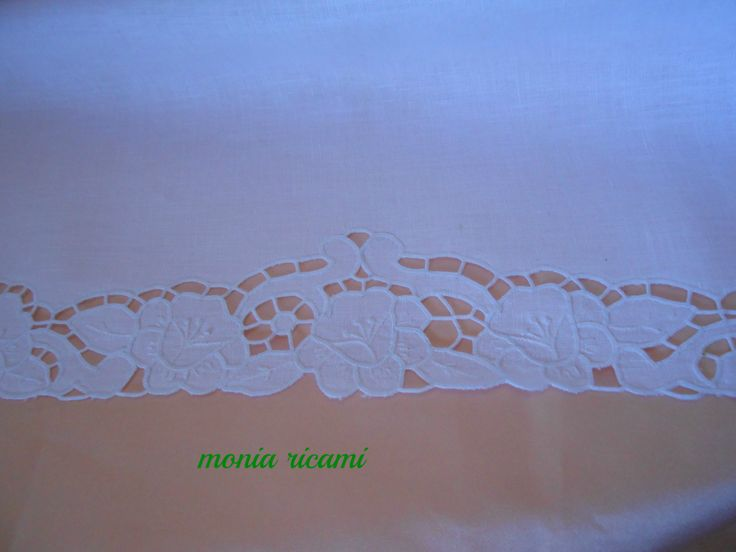 lenzuolino x carrozzina in lino ricamato ad intaglio
