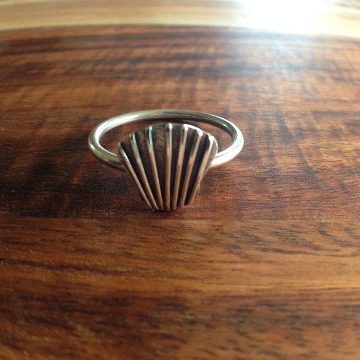 Dainty seashell ring