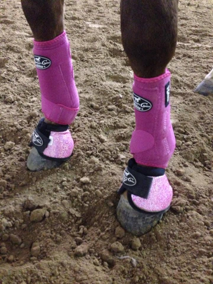 Barrel Racer Christy Loflin wears Professional's Choice Raspberry SMBs with new pink Glitter Bell Boots!