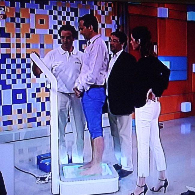 O diretor-geral da 4moove, fisioterapeuta e engenheiro biomédico, Diogo Roquette Osório, com o médico ortopedista Rui Mendonça a apresentarem as palmilhas FootBalance no programa 'Portugal no Coração', da RTP1.