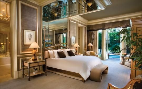 The wildly expensive hotel villas dotting the Vegas Strip are swathed in secrecy.