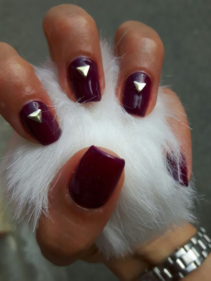 #purplenails #geomtericnails #purplemanicure #darkpurple #purplemadness