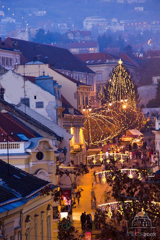 Pécs, Széchenyi tér https://www.facebook.com/photo.php?fbid=603250056396893&set=a.489754787746421.1073741831.458940470827853&type=1&theater