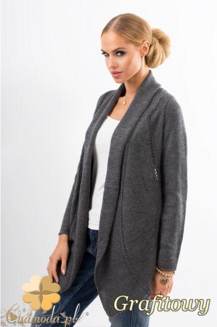 Niezapinany sweter z ażurowym wzorem na plecach wyprodukowany przez firmę Makadamia.   #cudmoda #moda #styl #ubrania #odzież #clothes #swetry