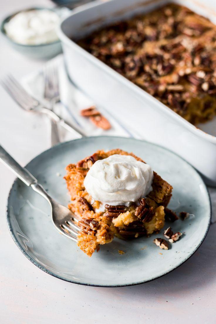 Pumpkin Pie Crunch Recipe - This simple pumpkin dump cake recipe is the perfect fall dessert!