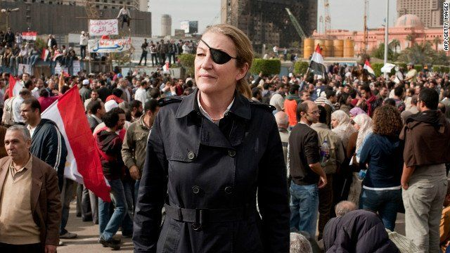 """Apologetic Canuck sur Twitter : """"The late Marie Colvin, war reporter. Lost an eye to grenade shrapnel in Sri Lanka. Lost her life in Syria in 2012 at age 56, still covering war from the front lines.… https://t.co/Utm8b92nhg"""""""