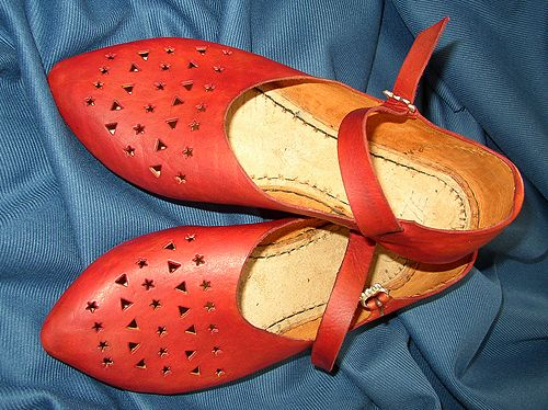 14th century lady's leather shoes with punched decoration by NINYA MIKHAILA - HISTORICAL COSTUMIER