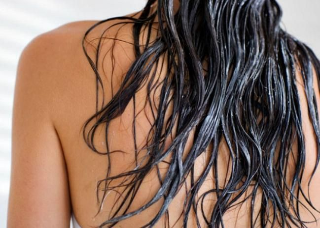 Mane Attraction: Thicken Your Tresses with this DIY Volumizing Mask! | www.diyfashion.com