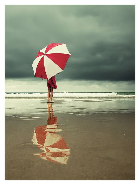 I'm noticing I am drawn to pictures/art with umbrellas in them.