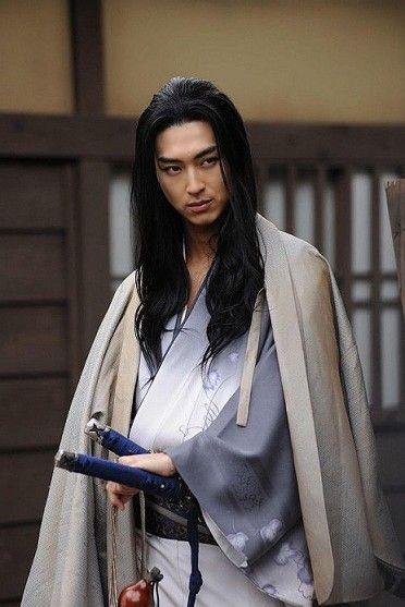 whycantallmenbeasian:  Shota Matsuda as Seijuro Yoshioka ( in the TV movie Miyamoto Musashi)