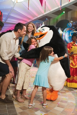 Your favorite DreamWorks Animation characters come to life onboard #RoyalCaribbean! #DreamWorksExperience