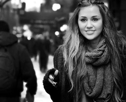 She used to be so pretty with LONG, brown hair