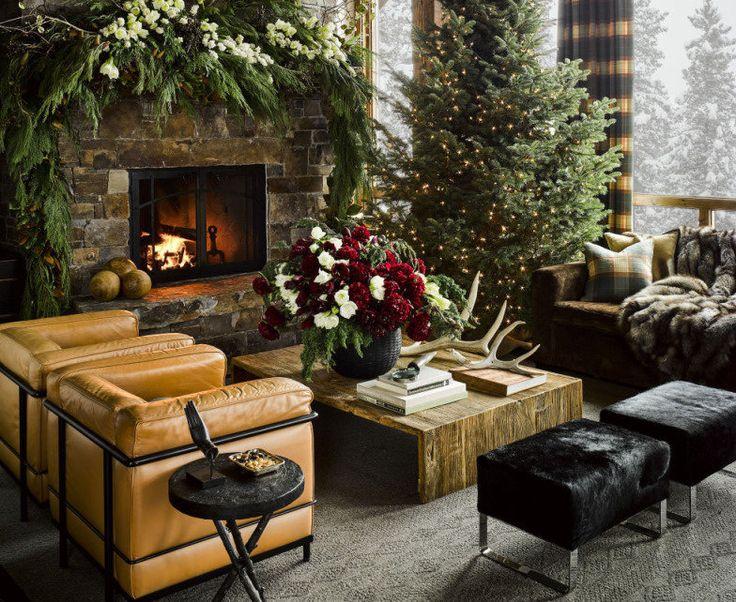 Os interiores da casa, onde os moradores recebem e hospedam convidados nas festas de fim de ano, parecem cenários de cinema
