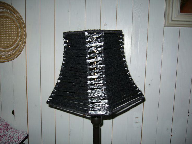 Een sjieke lamp met textielgaren