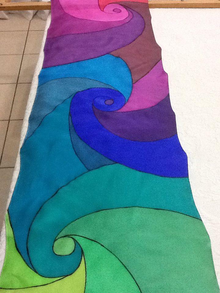 Pañuelo de seda pintado a mano por Patricia Bueso F.