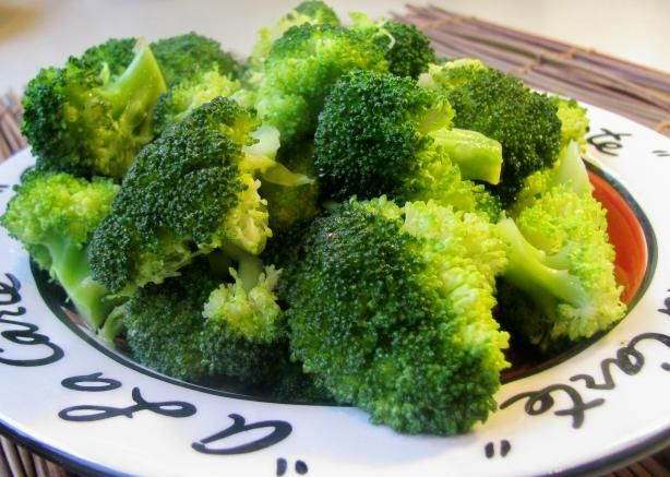 Butter Steamed Broccoli. Photo by lazyme