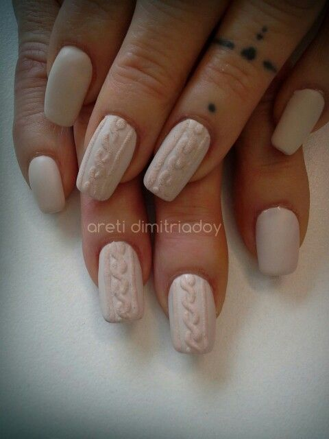 #acrylicnails #nails #essentialcare #portorafti #knitting