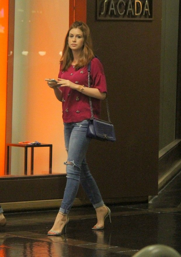 EGO - Marina Ruy Barbosa volta ao shopping com mesmo look do almoço - notícias de Famosos