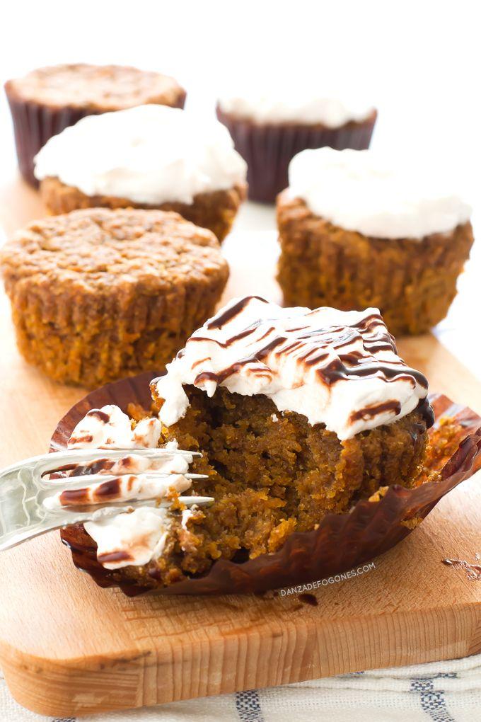 Estos cupcakes veganos de zanahoria son más sanos y ligeros, además no tienen colesterol y son 100% vegetales.